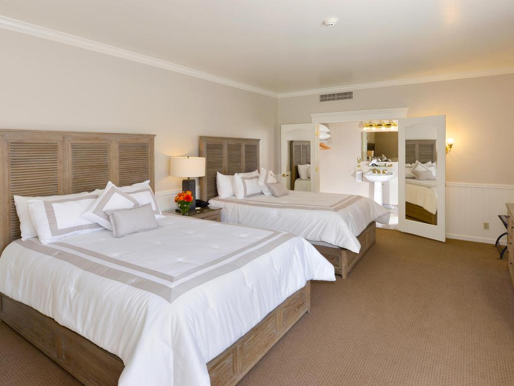 Carriage House - Deluxe Double Beds