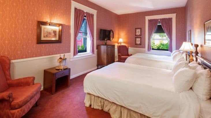 Historic 2 Queen Beds