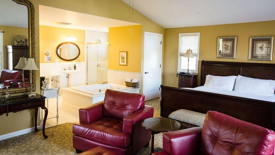 Noble Vineyard King Honeymoon Suite