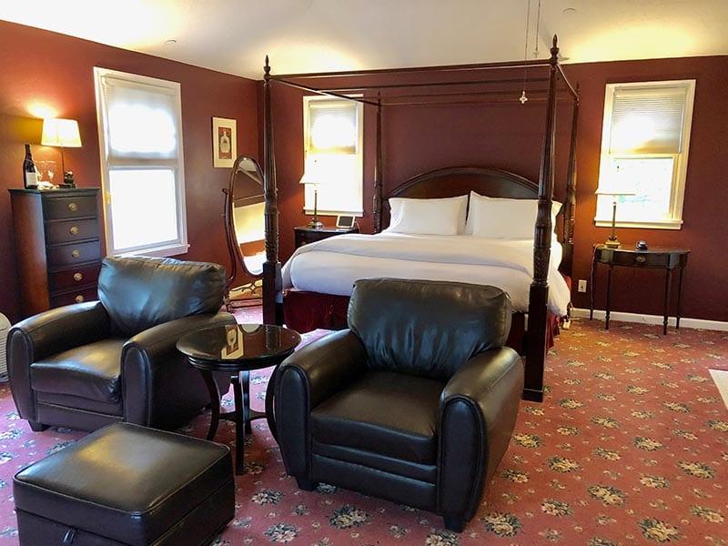 Vintage Reserve King Honeymoon Suite