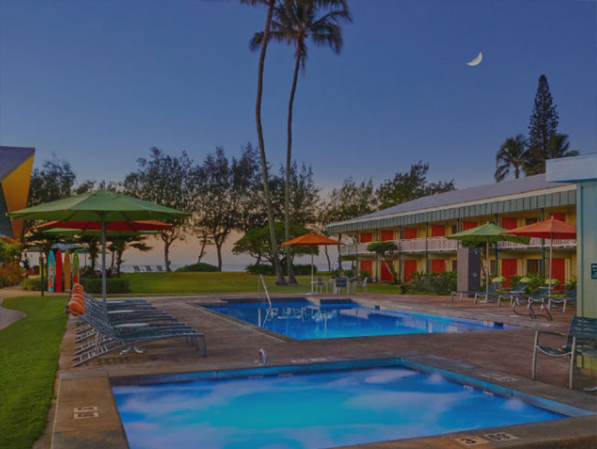 2 swimming pools and restaurants