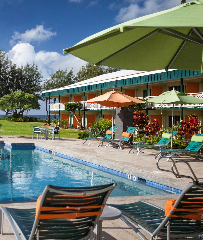 Swimming pool of the Kauai Shores hotel